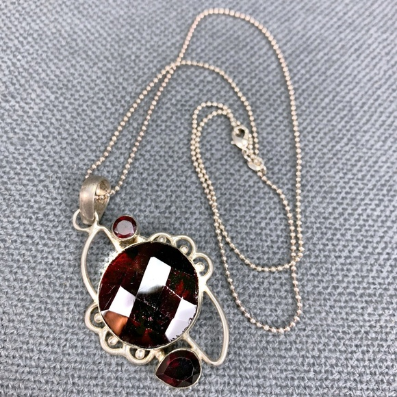 Jewelry - Garnet & Sterling Silver Pendant Necklace